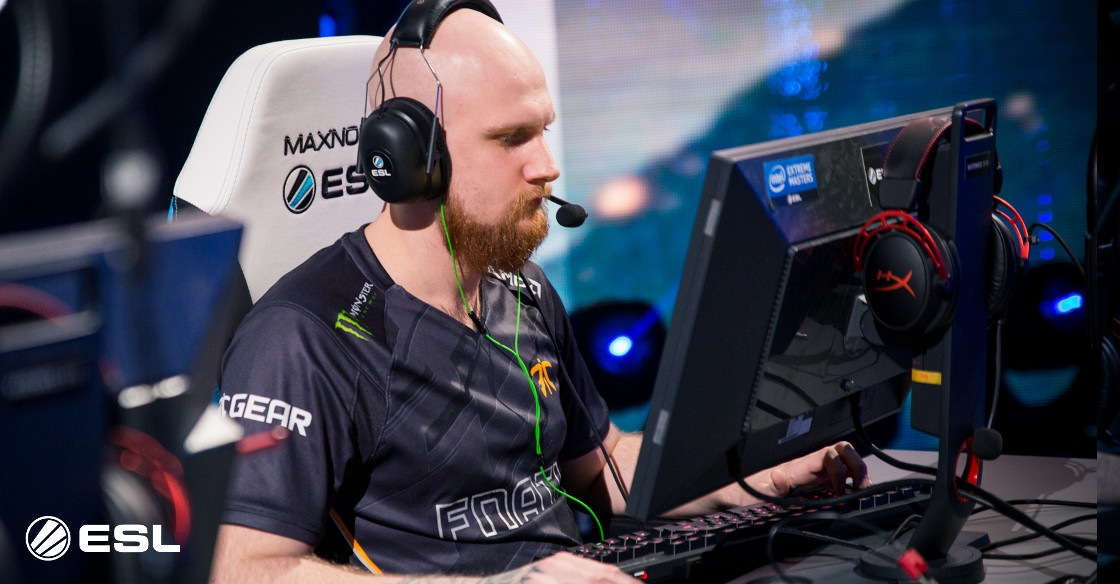 Astralis scrape past Fnatic to reach the Grand finals of IEM Chicago 2018.