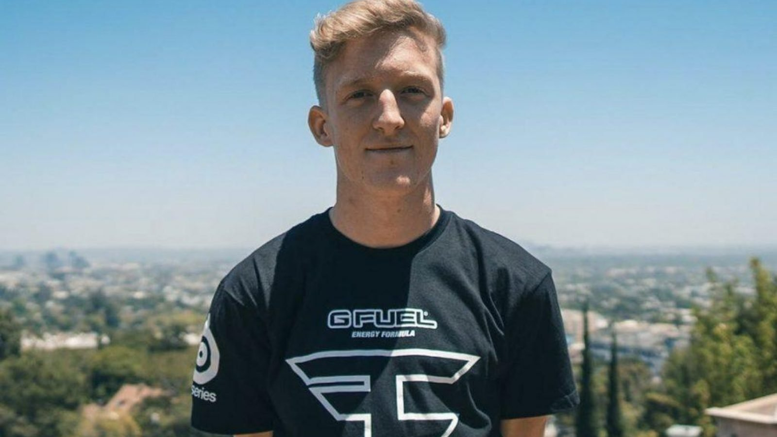 Fortnite's Tfue in arguments with 72hrs and Cloak