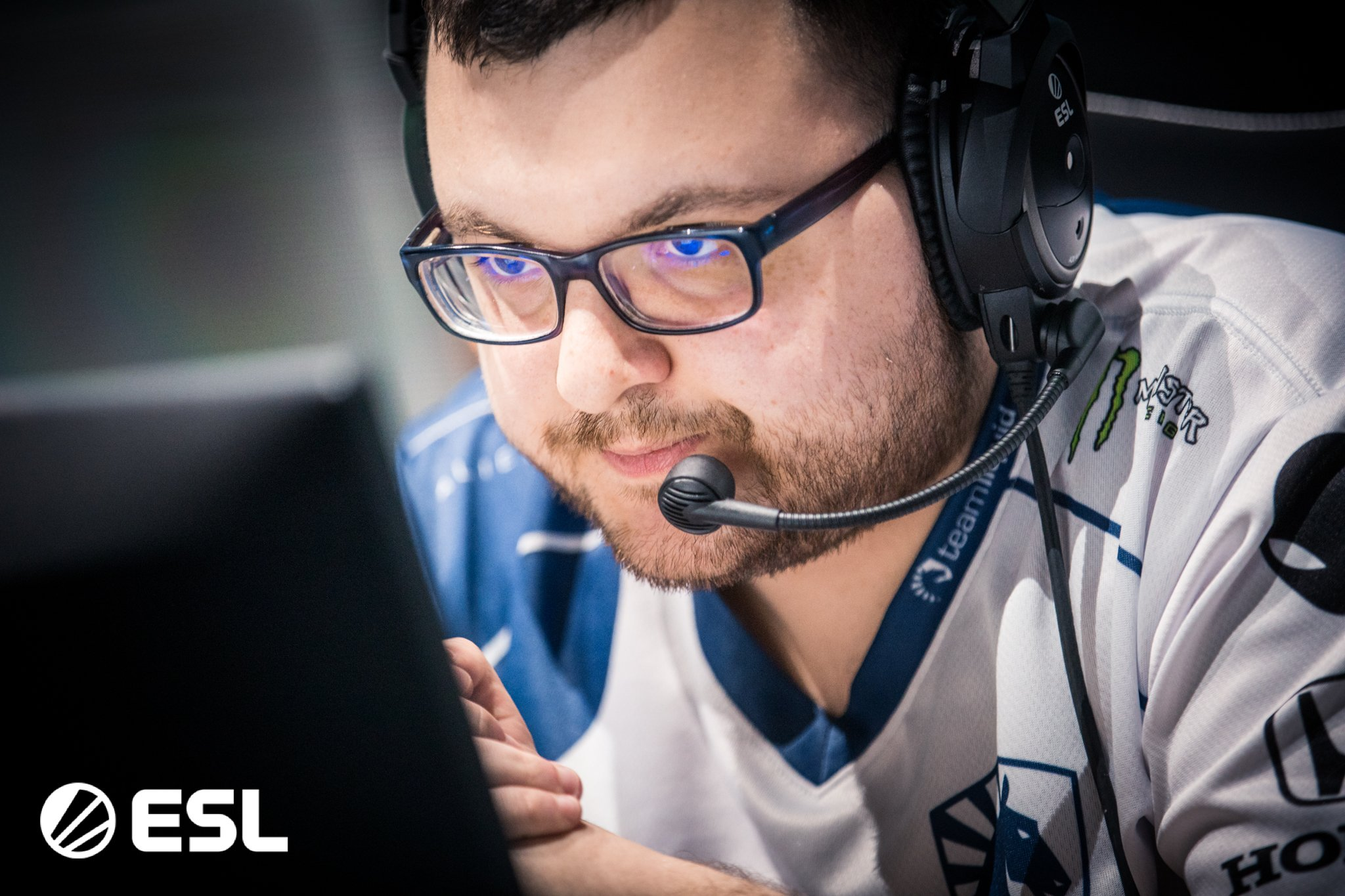 Gambit beats Liquid in the lower bracket playoffs of ESL
