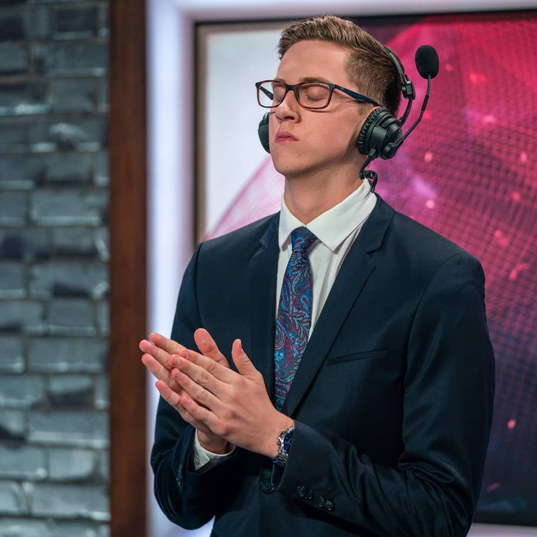 League of Legends Analyst Christy Frierson 'dragged' off stage
