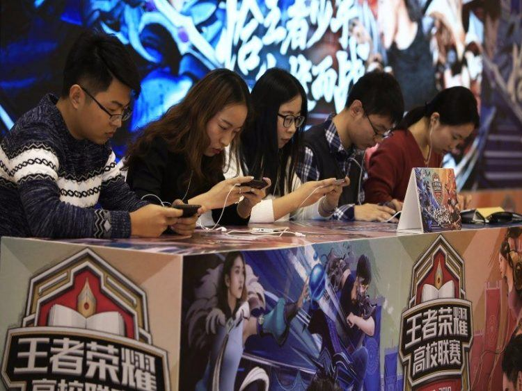 Best Mobile Esports Games -> Mobile Gaming